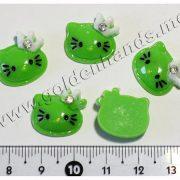 Камея Hello Kitty зелёная в короне со стразиком