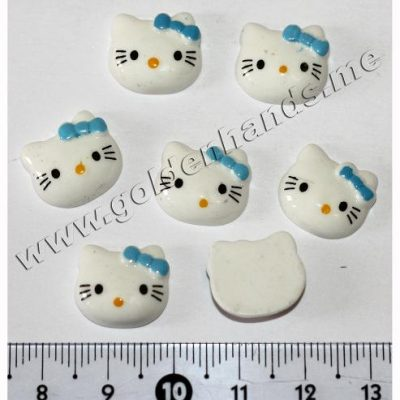 Камея Hello Kitty белая с голубым бантиком