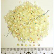 Половинки жемчужин радужные с огранкой 3 мм